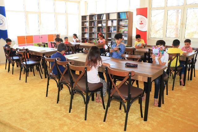 Akçakale Belediyesi İle Kütüphane Öğrencilerin İkinci Evi Oldu
