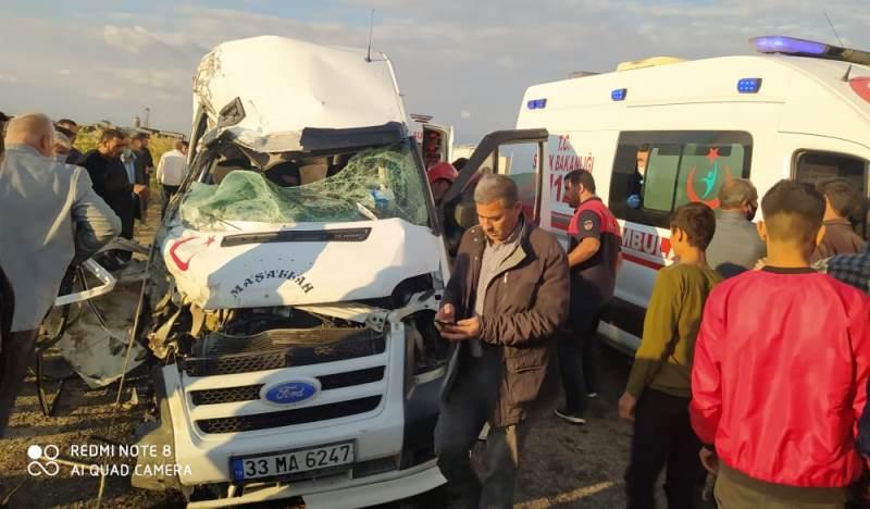 Akçakale yolunda kaza 5 yaralı