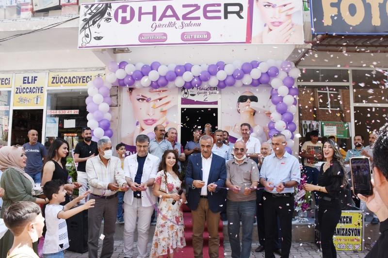 Başkan Bayık Hazer Güzellik Salonu'nun açılışını yaptı