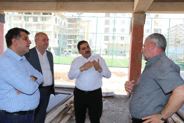 Başkan Canpolat, Karşıyaka'da Yükselen Kalıcı Eserleri İnceledi