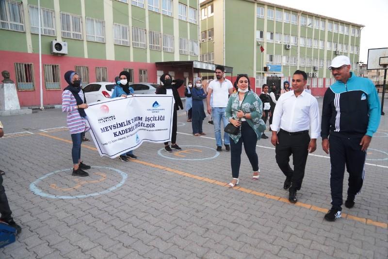 Başkan Kuş, öğrencilere eğitim seti ve spor malzemesi dağıttı