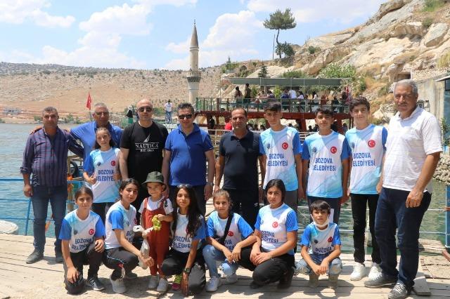 Bozova Başkan Aksoy; genç sporcuların motivasyonu için gezi düzenledi