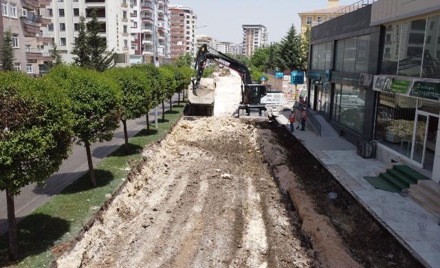 Büyükşehir'den Çöken Yolda Sil Baştan Düzenleme