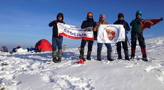 Dağcılar Karacadağ'da kış tırmanış eğitimi yaptılar.