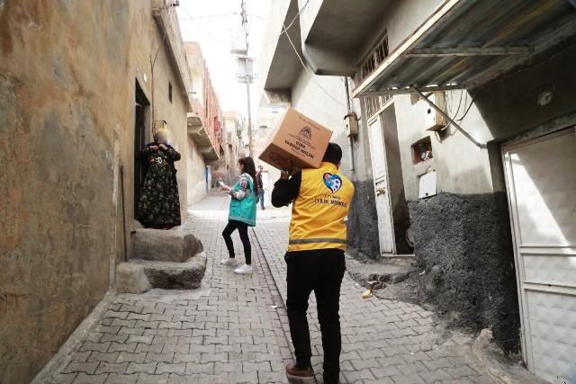 Eyyübiye Belediyesi yardım faaliyetlerini aralıksız sürdürüyor.
