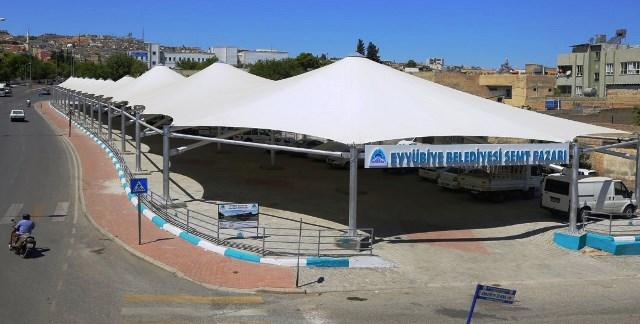 Eyyübiye'de kapalı semt pazarı açıldı