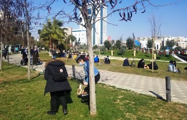Güneşli Havayı Fırsat Bilen Vatandaşlar Parklara Akın Etti