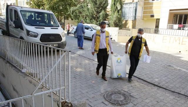 Haliliye'de gıda yardımı devam ediyor
