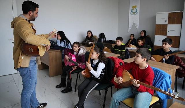 Haliliye'de müzik ve dil kursları devam ediyor