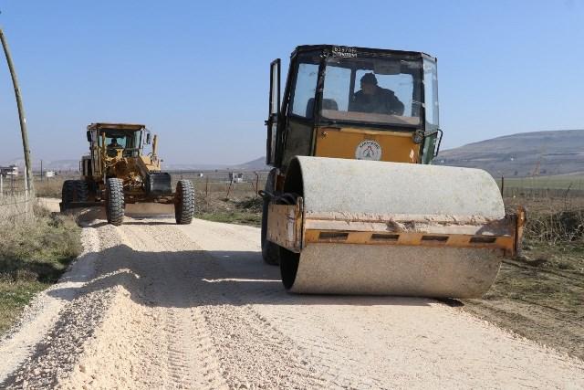 Karaköprü Kırsalında Yol Çalışmaları Sürüyor