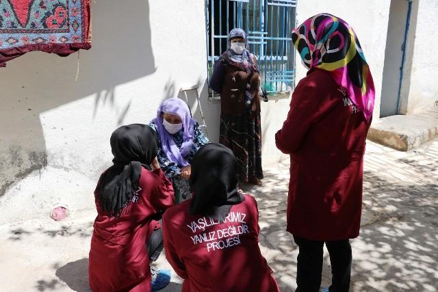Karaköprü'de Evde Bakım Hizmeti Ramazan'da Sürüyor