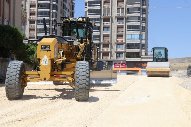 Karşıyaka'da Trafiği Rahatlatacak Yol Hamlesi