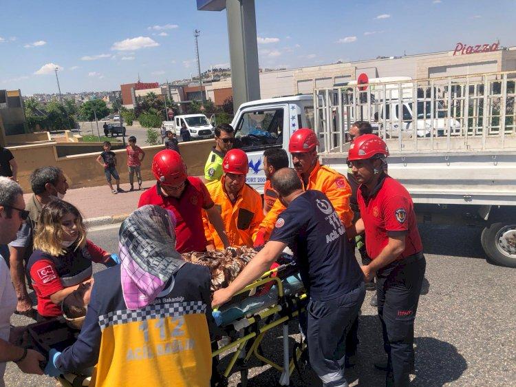 Kazada sıkışan vatandaşı itfaiye ekipleri kurtardı!