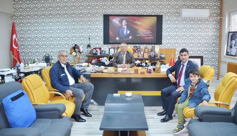 Kıran'dan Halfeti  Halk Eğitim Müdürü  Arıkan `a  Ziyaret