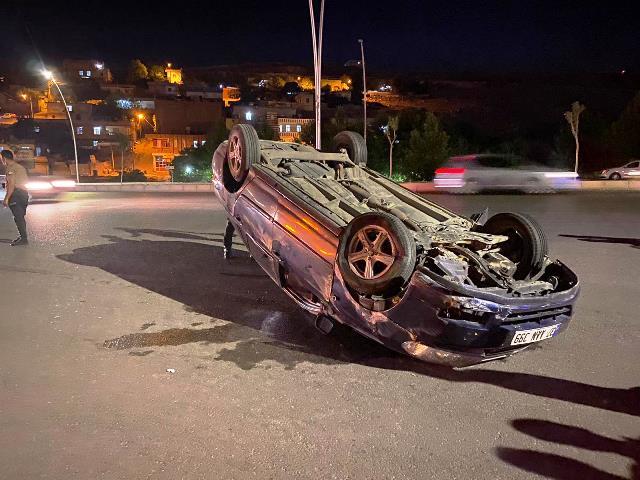 Takla atan araçtaki sürücü yaralandı