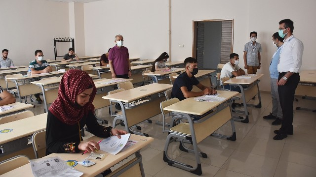 Üniversite de Uluslararası Öğrenci Sınavının İkincisi Yapıldı