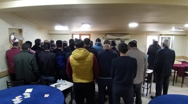 Urfa'da 30 kişiye kumar baskını