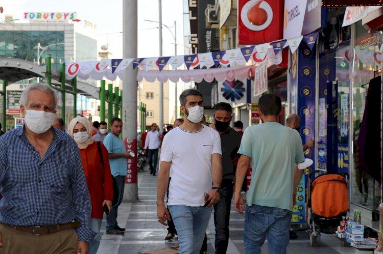 Urfa'da vatandaşlar çok rahat, koronavirüs yokmuş gibi!