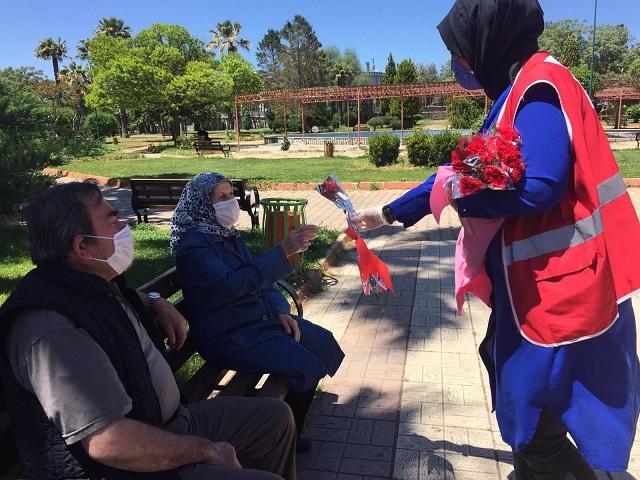 Vefa Sosyal Destek Gruplarından Anneler Günü Jesti