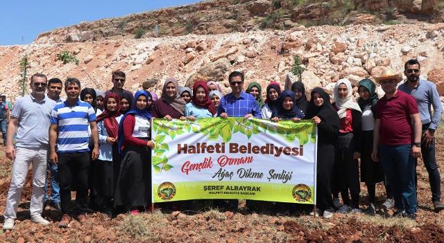 Halfeti'de 19 Mayıs anısına fidan dikimi yapıldı