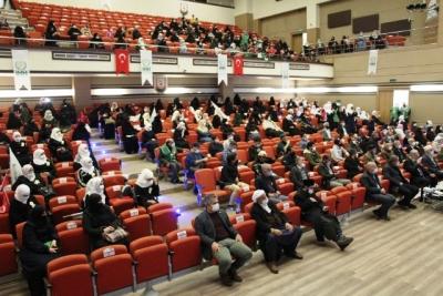 4'dü Hafız toplam 113 Suriyeli kız çocuğu için icazet töreni yapıldı.