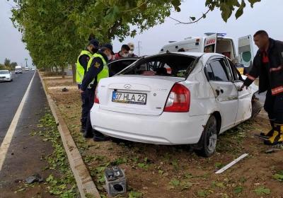 Ağaca çarpan otomobilde 1 yaralı
