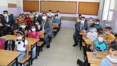 Başkan Canpolat, Eğitim Yılının İlk Dersinde Öğrencilerle Buluştu