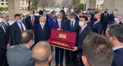 Başkan özyavuz'dan Genel Başkan bahçeli'ye anlamlı hediye