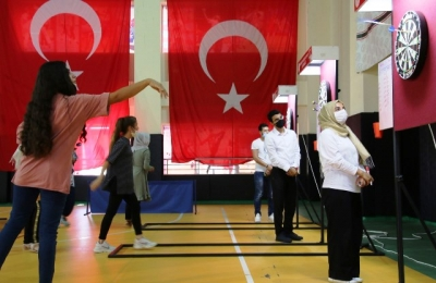 Büyükşehir Belediyesi Dart Turnuvası Düzenledi