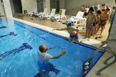 Çocuklar, Haliliye Belediyesi İle Yüzme Öğreniyor