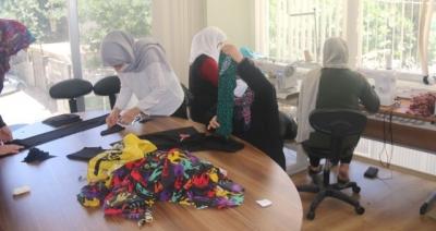 El Emeği Göz Nuru Kıyafetler Çocukların Bayram Sevinci Oldu