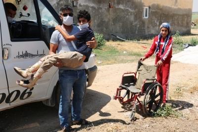 Engelli Çocuğun Yolu Yapılarak Engeller Kaldırıldı