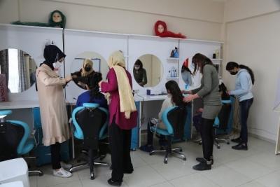 Haliliye Belediyesi İle Kadınlar Meslek Sahibi Oluyor