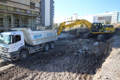 Haliliye'de 10 Noktada Yol Yapım Çalışması