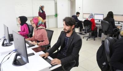 Haliliye'de Gençlere Bilgisayar Kursu