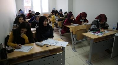 Haliliye'de YKS'ye hazırlanan öğrencilere ücretsiz kurs