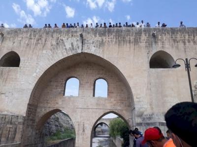 Hızmalı Köprüden atlayan genç intihar etti