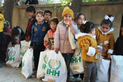 İHH'nın Rasulayn ve Telabyat'ta Yardım Faaliyetleri Yoğunlaştı