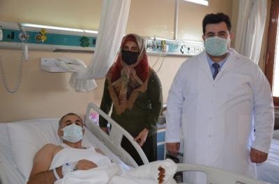 Kolunu Makineye Kaptıran Hastanın Eli 4 Ameliyatla Kurtarıldı