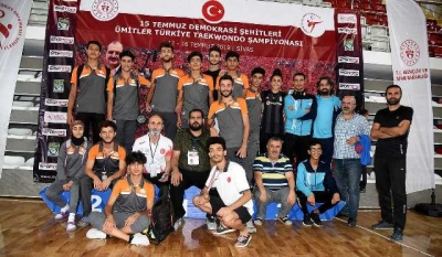 Özeren Türkiye 3.'sü oldu