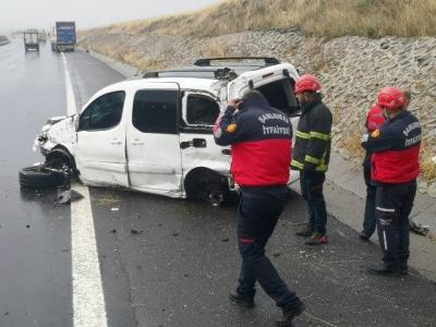 Şanlıurfa Gaziantep otoban yolunda kaza: 2 yaralı