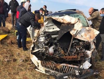 Şarampole uçan otomobilde 4 kişi yaralandı