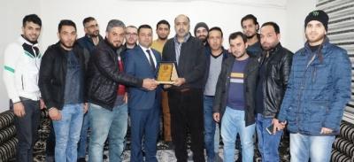 Suriyeli Misafirlerden Akçakale Belediyesi'ne Teşekkür Plaketi