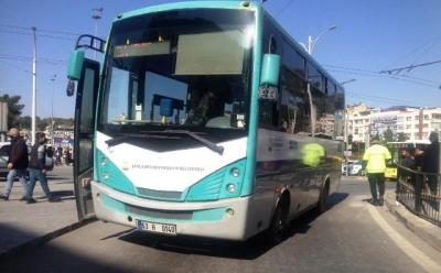 Toplu taşıma aracı yaya vatandaşa çarptı: 1 yaralı