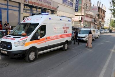Urfa'da husumetliler yolda karşılaştı! Kan aktı