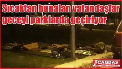 Vatandaşlar parklarda uyuyor